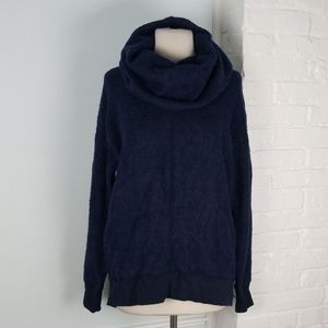 NWT Abercrombie and Fitch super soft sweater